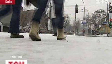 Украина приняла сегодня на себя первый снег