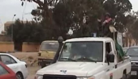 Жители ливийского Бенгази готовятся к атаке войск Каддафи