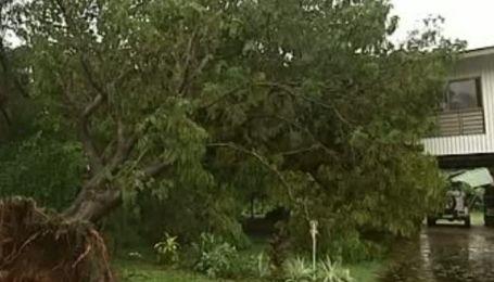 Очередной  ураган атакует Австралию