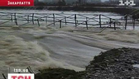 Наводнение на Закарпатье называют катастрофическим
