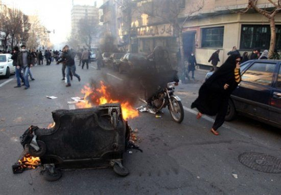 У Тегерані унаслідок сутичок із суфійською общиною загинули поліцейські