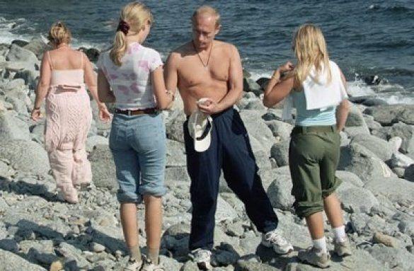 Володимир Путін з родиною