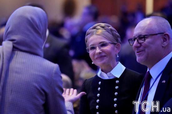 Тимошенко ігнорує запитання про походження грошей для лобістів із США
