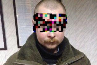 Полиция задержала мужчину, который два года насиловал своего сына и сына сожительницы