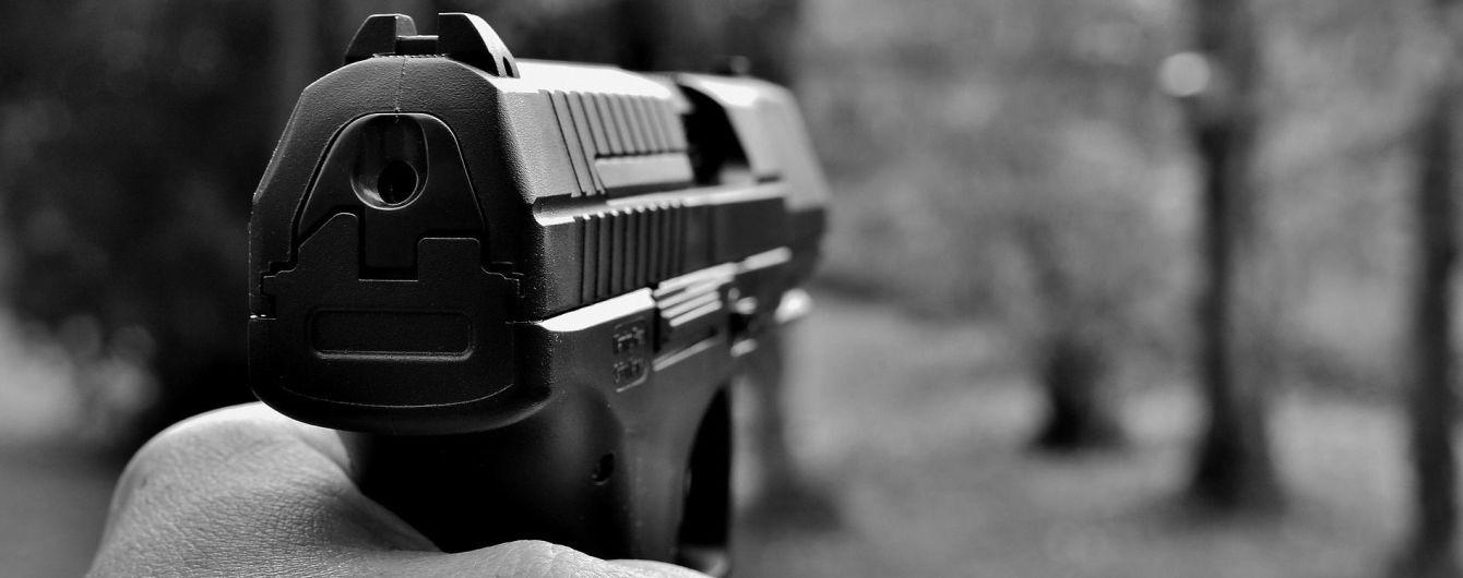 На Донбассе сотрудник Нацполиции застрелил гражданского