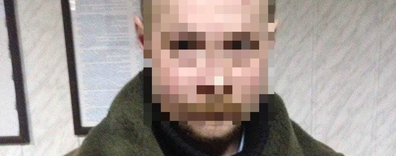 На Житомирщині затримано педофіла, який два роки ґвалтував сина та ще одну дитину
