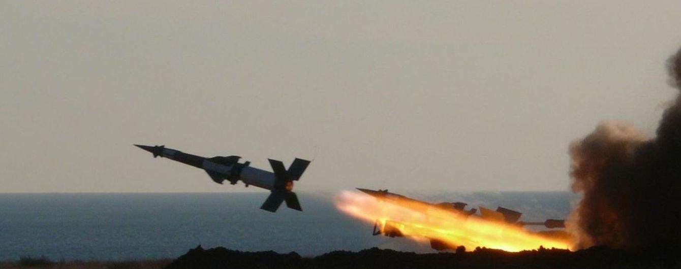 """""""Укроборонпром"""" готується до серійної модернізації зенітно-ракетних комплексів - Порошенко"""