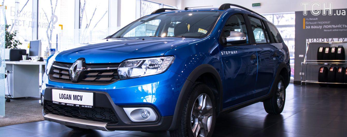 В салонах Renault продают универсал Logan с повышенным клиренсом