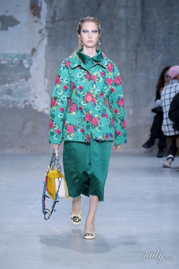 Корсеты и цветочные принты в коллекции Marni сезона весна-лето 2018