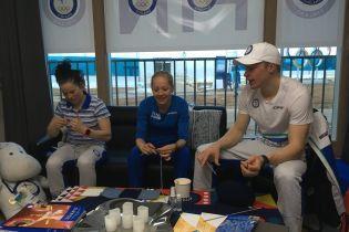 Финского тренера поймали за вязанием во время соревнований Олимпиады, а затем и всю команду