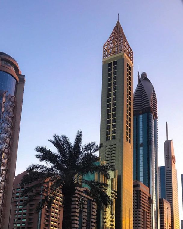 У Дубаї відкрився найвищий готель світу з розкішним басейном на даху