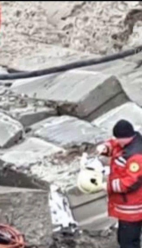 У Києві на вулиці Кирилівській внаслідок обвалу на будівництві загинув чоловік