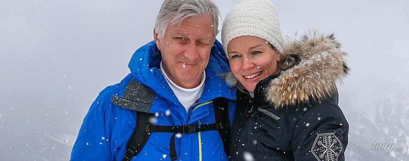 Тоже любят отдых на лыжах: королева Матильда и король Филипп в заснеженной Швейцарии