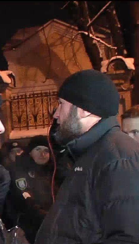 Прихильники Саакашвілі пообіцяли повернутися до Аміністрації Президента зранку