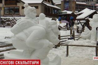 Буковель украсился парком снежных скульптур