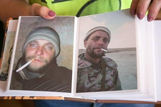 """Как собак расстреляли. Жена погибшего в Сирии россиянина рассказала о разгроме отряда """"Вагнера"""""""