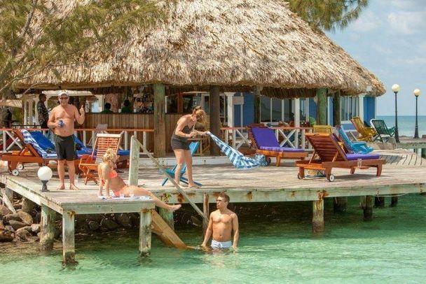 Вблизи Белиза есть курортный остров, где принято отдыхать топлесс