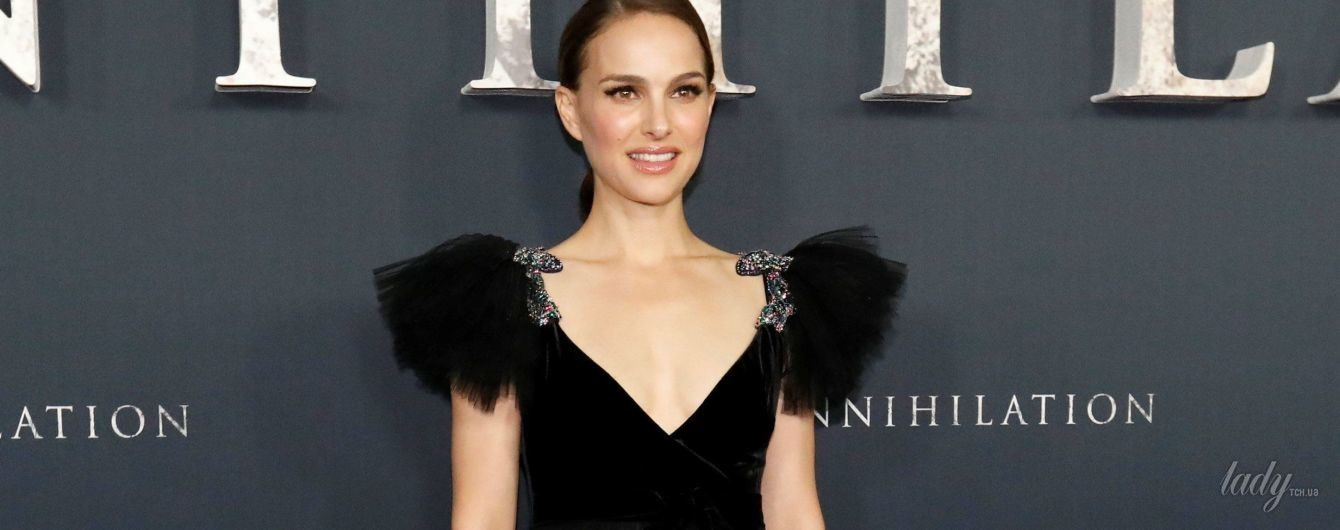 В красивом платье с глубоким декольте: Натали Портман на премьере фильма в Лос-Анджелесе
