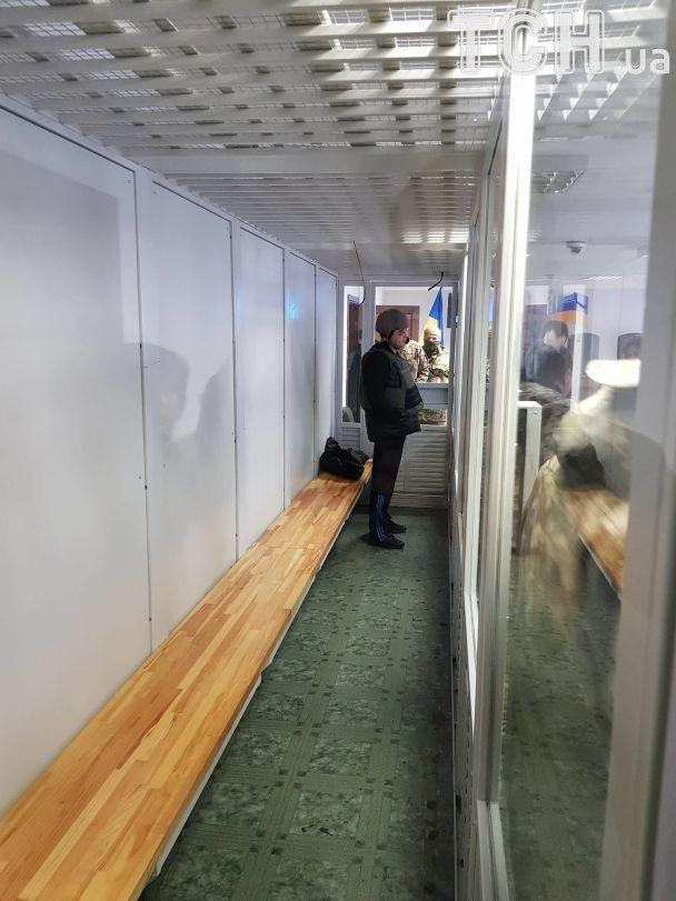 Екс-нардепа Шепелєва привезли до суду в касці та бронежилеті