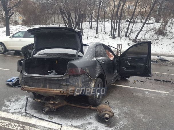 У Києві в моторошній лобовій ДТП загинув поліцейський