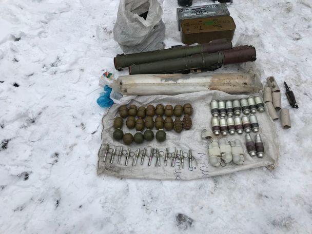"""Поліція розкрила вбивство родичів кума Януковича: підозрюваними виявились бійці """"Донбасу"""""""