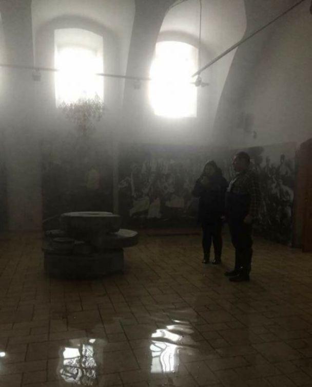 Экспозиции музея Гончара, который залило кипятком, закроют на полгода