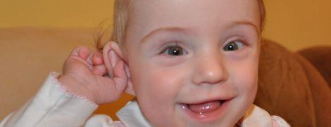 Помогите Софийке услышать голос мамы