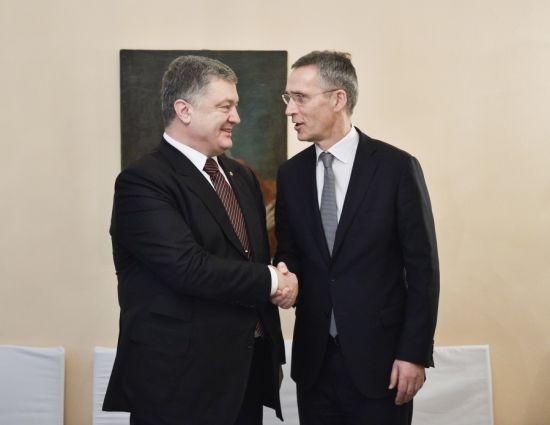 Порошенко в Мюнхені зустрівся з генсеком НАТО