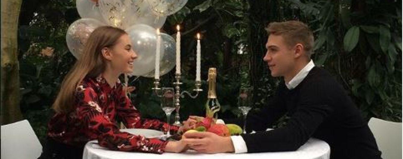 """Джунгли посреди зимы: сладкая парочка сериала """"Школа"""" отпраздновала день всех влюбленных"""