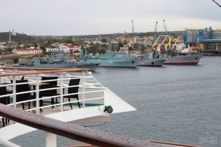 За полгода в порты Крыма незаконно зашли почти 600 судов, большинство из которых российские – МинВОТ