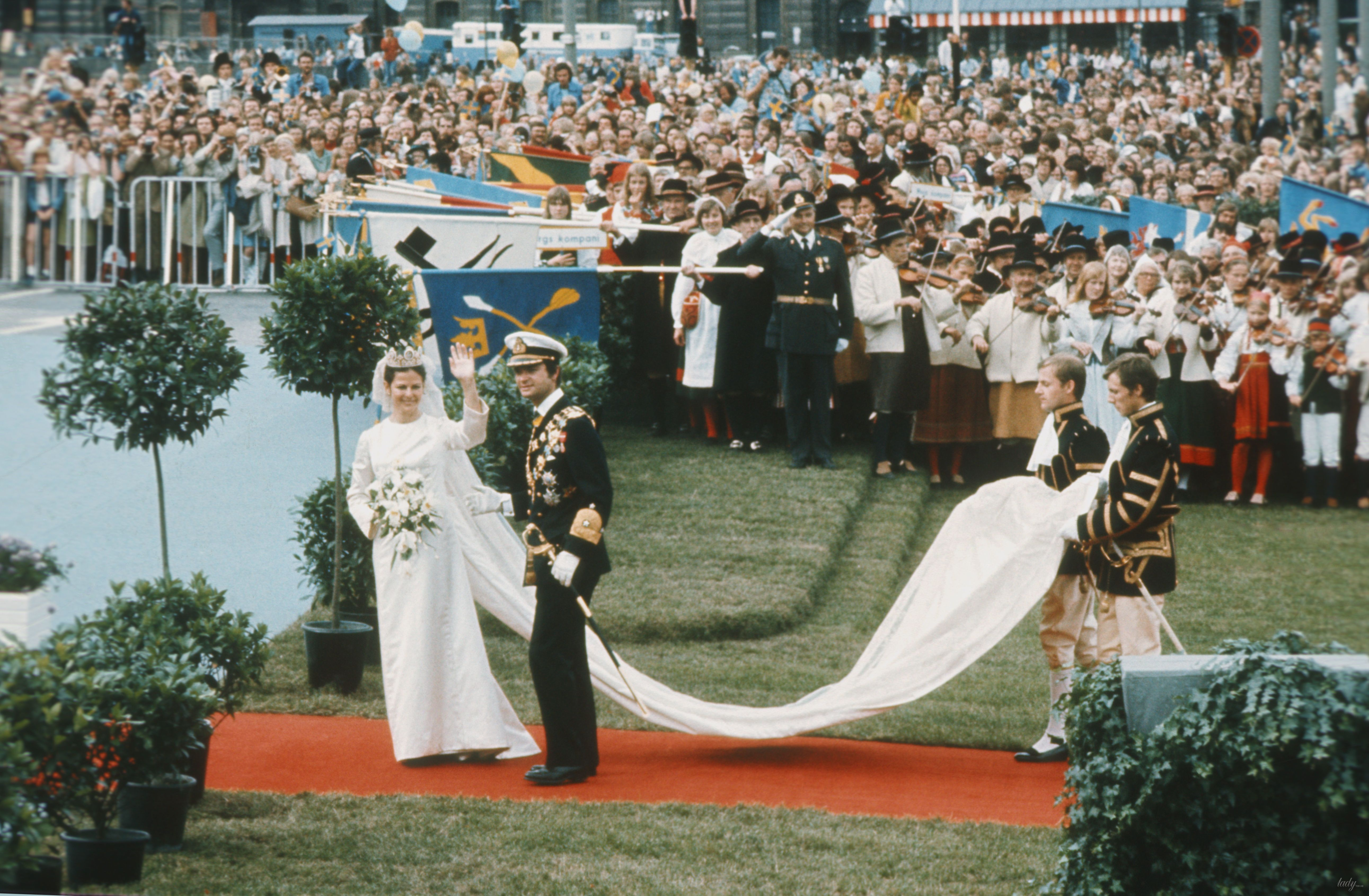 Свадебные платья королев и принцесс_12