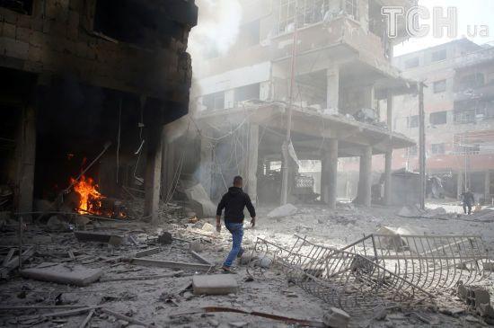 Під час шалених авіаобстрілів у Сирії загинули понад 70 людей, ще 325 були поранені