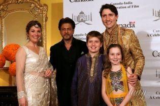 Супруги в Индии: Джастин Трюдо в красных штанах, а жена – в эффектном платье