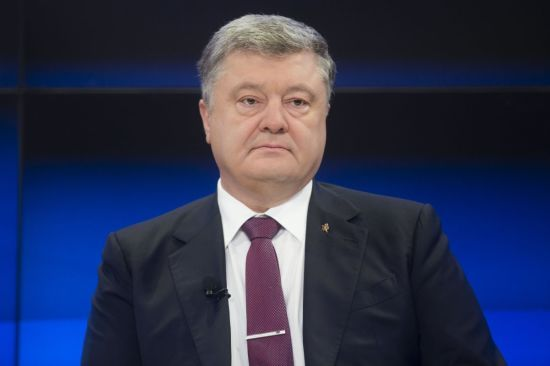 Суд відмовив адвокатам Януковича у повторному допиті Порошенка