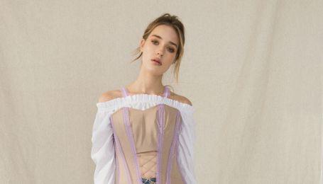 Экстравагантные джинсы и тренч-платья в коллекции бренда JULIA GURSKAJA