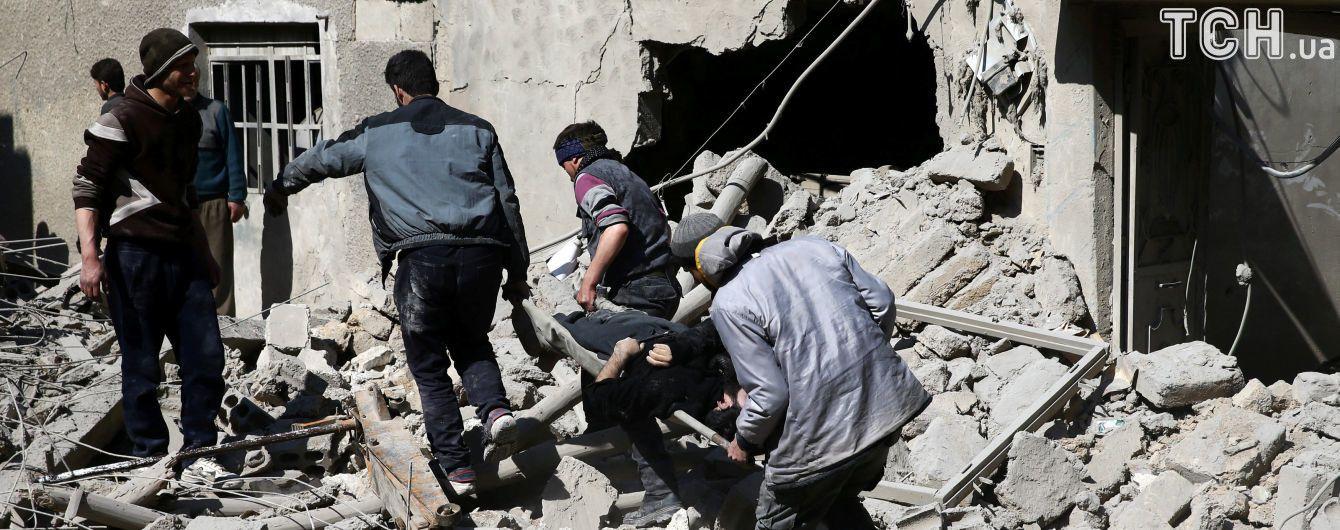 Випалена земля: війська Асада продовжать наступ у Східній Гуті, незважаючи на запровадження перемир'я