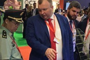 """Порошенко офіційно представив нового очільника """"Укроборонпрому"""""""