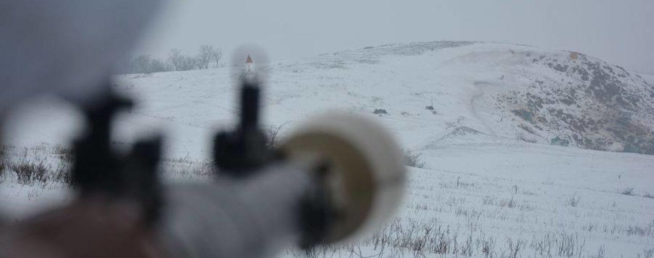 Из-за обстрела боевиков погиб военный. Сутки на Донбассе