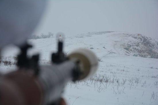 На Донбасі під час обстрілів бойовиків знову загинув український боєць. Хроніка АТО