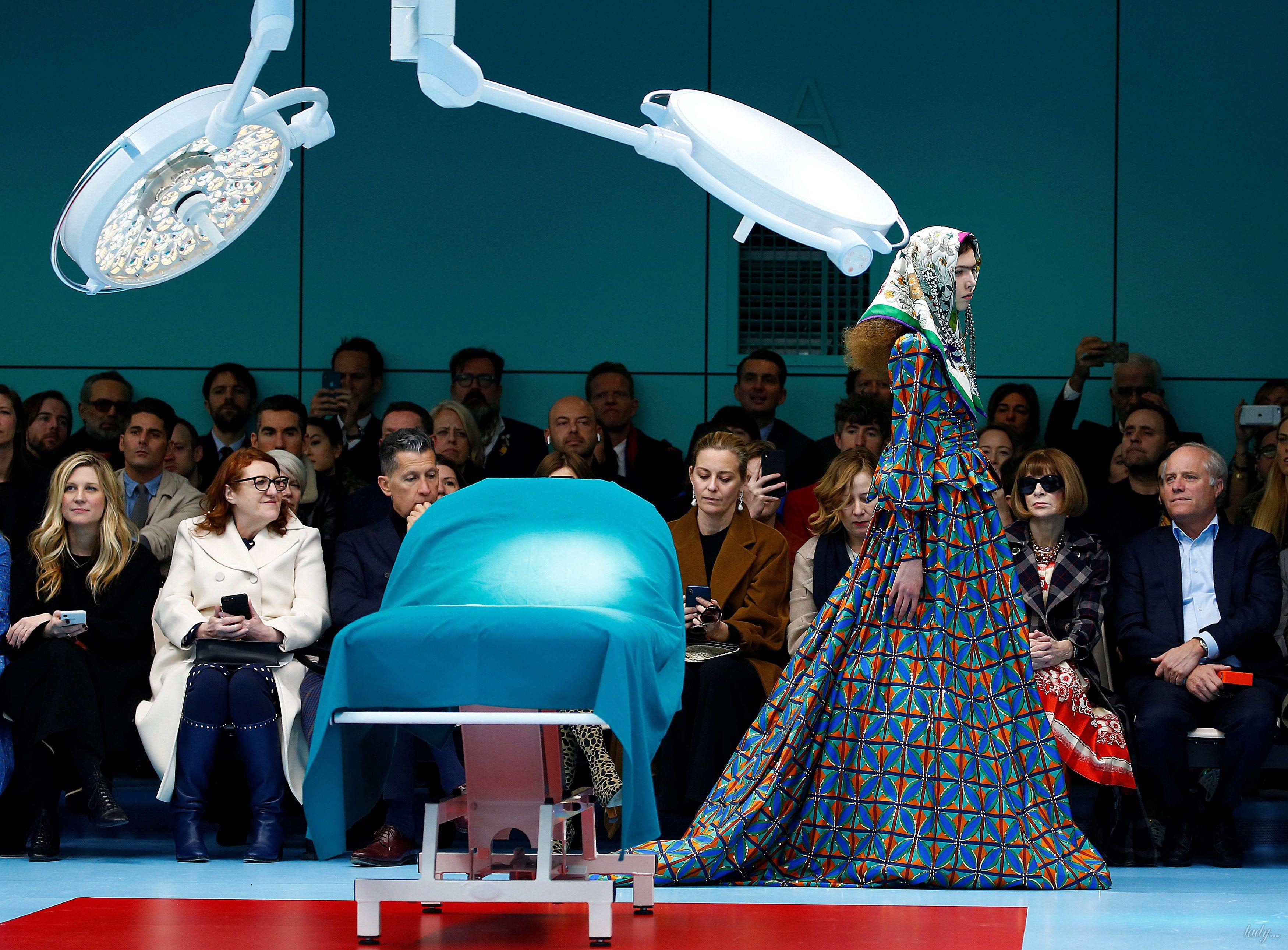 Показ коллекции бренда Gucci в Милане_29
