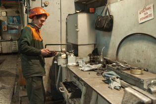 Слесарь, машинист и монтажных стали дефицитными профессиями в Украине