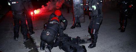Во время столкновений российских и испанских футбольных фанатов убили полицейского