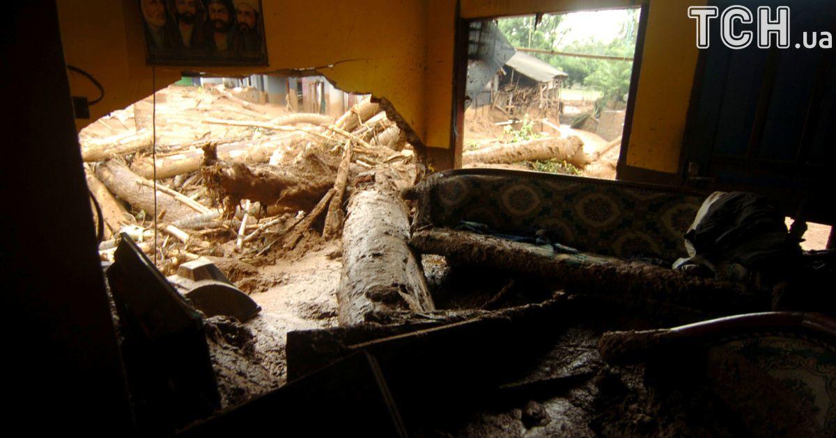 В Індонезії стався потужний зсув ґрунту - загинули люди