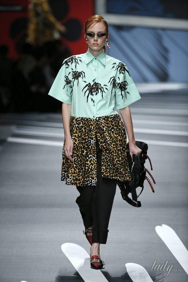 Гольфы, шорты, мини-юбки в коллекции Prada сезона весна-лето 2018