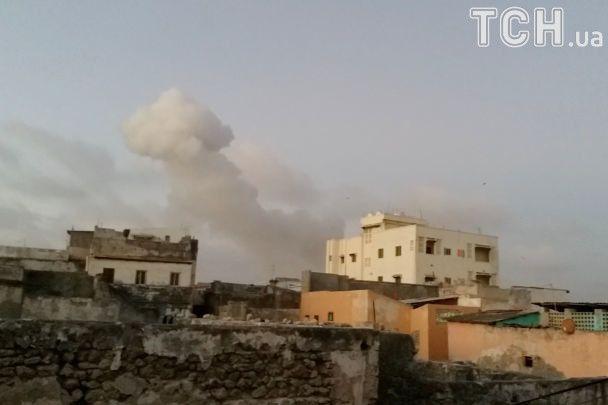 У Сомалі смертники підірвали дві машини біля президентського палацу, 18 загиблих
