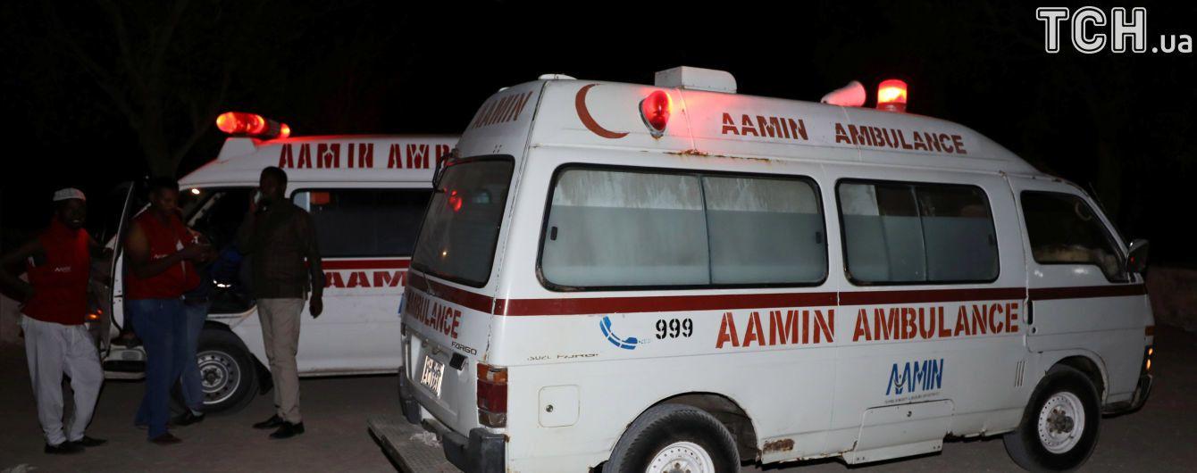 В Сомали смертник подорвал машину на территории военной базы, есть погибший