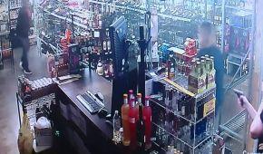 Дві продавчині в США розстріляли грабіжника