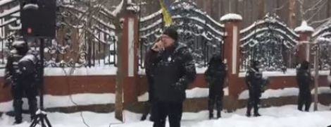 Соратники Саакашвили устроили автомобильный пробег к дому генпрокурора