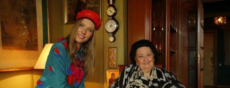 Оперна діва Монсеррат Кабальє показала свою квартиру та розповіла про улюблених футболістів
