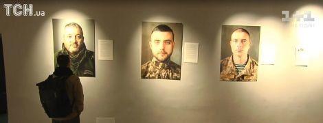 В Киеве открыли фотовыставку крымских воинов АТО